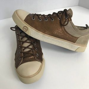 Ugg  Evers denim casual Lace up sneakers size 8.5